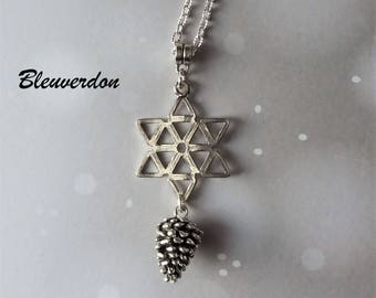 Star snow and pine cone necklace
