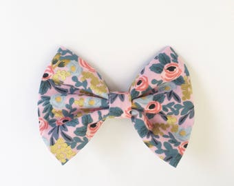 Pink flowers, flowers hair bow, hair Accessory, my bow closet