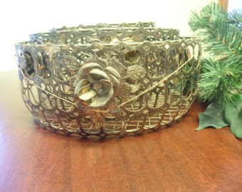 Set of 3 Metal And Wire Baskets With Applied Roses