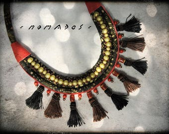 Necklace nomads predominantly black and brown - red leather fabric