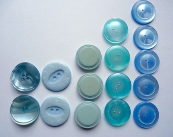 Different sets of 2, 3, 4 or 5 large buttons plastic sky blue, clear, diameter 27 mm to 30 mm