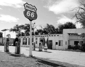 Phillips 66 Station on Route 66 BW