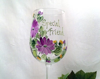 Free shipping Personalizable hand painted wine glass for special friend, mom, sister, nana, grandma, aunt, daughter, sister in law, daughter