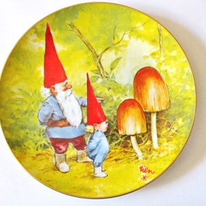 "GNOME PLATE, Rien Poortvliet, Spring, Gnomes Four Seasons, numbered, 1982, Zwerge,  Porcelain, 8 1/2"" diameter,, Mushrooms, Father Son,"