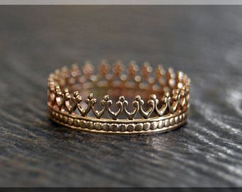 Solid 14k Gold Queens Crown Stacking Ring, 14k gold Crown ring, Stacking Ring, delicate solid gold ring, 14k Solid Gold Novelty Ring