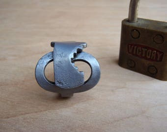 Repurposed Antique Skeleton Key - Ring (size 9.5) - Crossover - Powder Coated Steel - Repurposed - Upcycled - Victorian