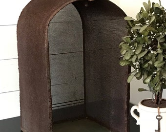 Rusty Garden Art . Rusty Metal Planter Plant Stand . Garden Decor . Architectural Salvage Arched Shelf . Shabby Chic . French Farmhouse