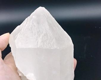 Large quartz crystal, natural quartz specimen, rough quartz, display centerpiece, rocks and minerals, display crystal, crystal centerpiece