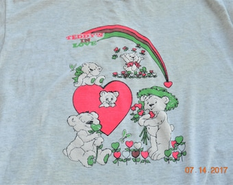 "80's puff paint t shirt ""Teddy is in Love"" Medium - Large,Hearts Rain Bow ,Gray tee,Neon Graphics,Bear's Hearts and flowers,38"" -"" 44"" chest"