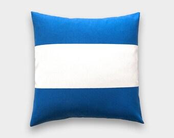 Funda de almohada a tiro de raya azul cobalto. 18 x 18 pulgadas. Raya azul. Funda de almohada decorativa. Cabaña azul rayas funda de almohada.
