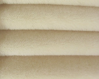 Quality ALP7/S - Alpaca  - 1/4 yard (Fat) in Intercal's Color 100-White. A German Alpaca Fur Fabric for Teddy Bear Making, Arts & Crafts