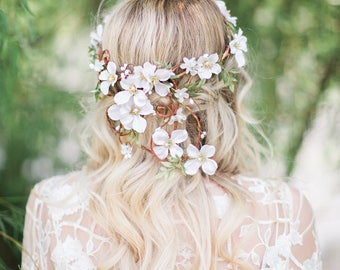 white flower crown, dogwood flower crown, floral crown wedding, bridal flower crown, white flower wreath, rustic wedding headpiece, leafy