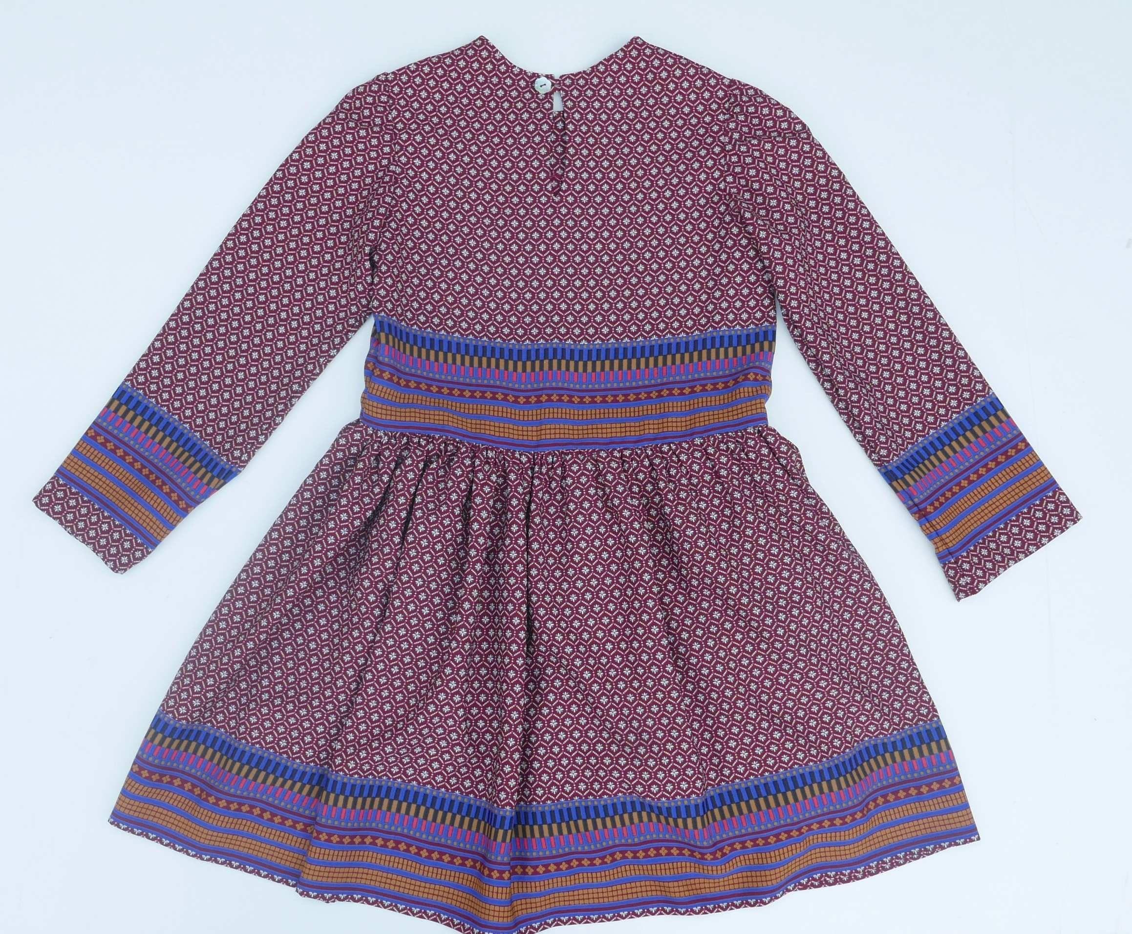 Vestido de Niña con falda fruncida y cuello circular con