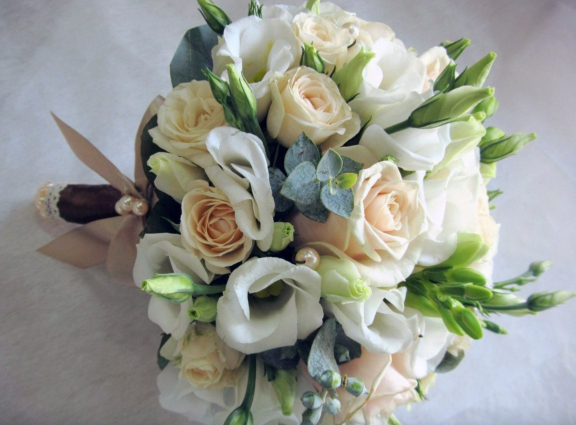 White freesia flower wedding bouquet flower bouquet freesia zoom izmirmasajfo Gallery