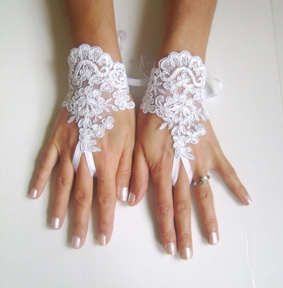 White Wedding gloves  bridal lace fingerless french lace arm warmers mittens cuff gauntlets fingerloop