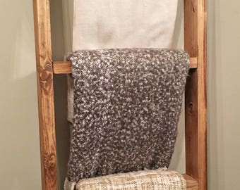 Rustic Wood Farmhouse Blanket Ladder - Towel Ladder