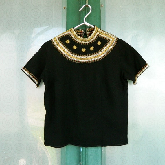 Vintage Egyptian Revival Short Sleeve Top S/M Black and Gold
