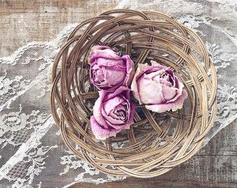 Dainty Wood Basket || Shabby Chic || Farmhouse Fresh || Farmhouse Style || Vintage Style || Vintage Kitchen || Wedding Style ||