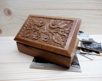 Vintage Wooden Box, Hand carved Jewelry Box, Keepsake Box, Brown Wooden Box, Vintage Box of Memories
