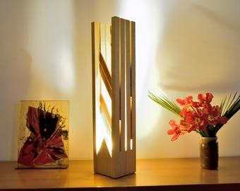 MUGANA: Frake and solid Teak lamp