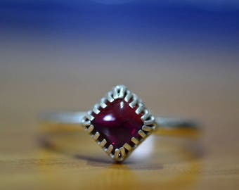 Garnet Ring, Engraved Purple Crystal Statement Ring, Unique Square Gemstone Cocktail Ring, Customized Sterling Silver Ring, Almandine Ring