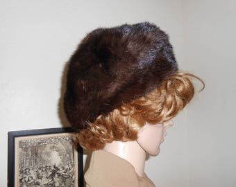 Woman's Vintage Brown Fur Hat