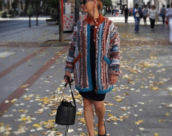 Handmade jacket.  Lana Jersey.  Lana jacket. Knit jacket. Coat.  Knitwear coat.  Design.  Handmade jersey.  Woman coat.