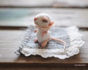 Needle felted mouse Wool felt mice Felt Toy Miniature Woodland toy Felted Mice Realistic mice of felt Animal felted mice Animal felted rat