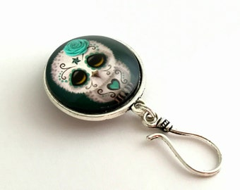 Sugar Owl Portuguese Knitting Pin - Magnetic ID Badge Holder - Gift for Knitters, Coworker Gift