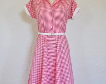 Vintage Pink Checkered Dress. 1950s Gingham swing dress. Summer dress.