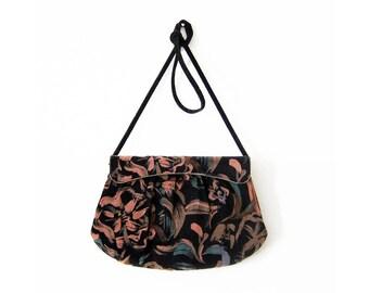 vintage black velvet multicolor gold metal clasp pastel print handbag clutch purse