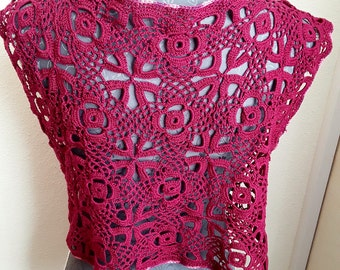 Bolero, crochet, bound in front, in ripe raspberry color!