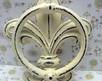 Fleur de lis Cast Iron Creamy Off White FDL Welcome Door Knocker Paris Shabby Elegance Cottage Distressed House Greeting Knock  Guests