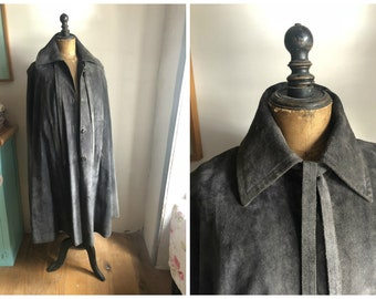 French Designer Vintage Grey Suede '70s Cape Quilted lining