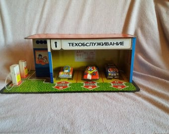 VINTAGE TOY - Russian auto service and gass station garage with 3 cars - tin toy USSR 1970's - in the original box