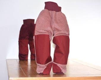 Pants lined with attachments on PO and knee