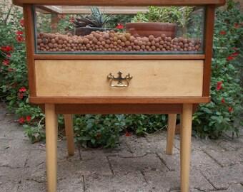 Table de chevet-terrarium années 60