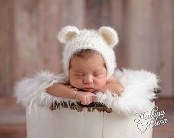 Bear Bonnet/ White Bear Bonnet/ Baby Shower Gift/ Gender Neutral Hat/ Crochet Bear Hat/ Newborn Photo Prop/ Baby Boy Hat/ Baby Girl Hat