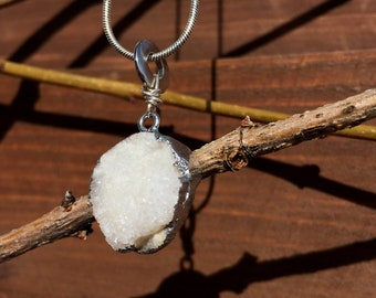 White Druzy Agate Necklace//Sterling Silver Plated