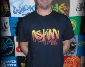 "T-shirt ASKAN UNITED ""Graff"" - Tee shirt black - yellow-orange ink"