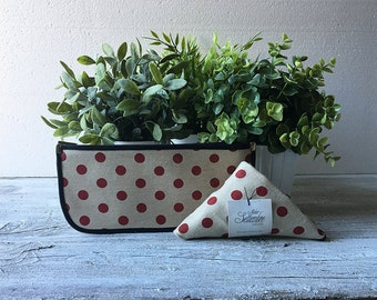 Red polka dot shopping bag and flat zipper case, reusable grocery bag and zipper pouch for cosmetic and toiletry storage, kit of 2 pieces