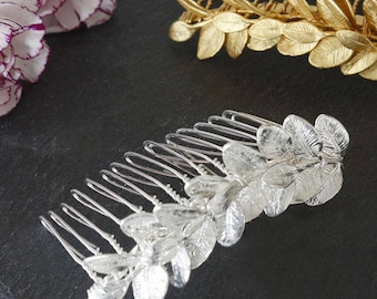 The foliage wedding hair accessory. Hair jewelry. Jewelry for bridal hairstyle. Bridal hair comb. Hair ornament