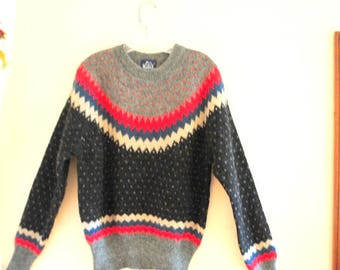 Notrdic style vintage 90s, thick wool, knit sweater with a charcoal black, gray ,red forest green geometric pattern.Woolrich  knits. Size L.