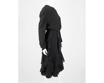 Elegant vintage volant dress in black