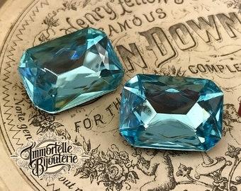 18x13mm Aquamarine Blue Octagon Rhinestone Faceted Jewel Cabochon - Vintage Glass Cabochon High Quality - 2pcs
