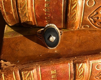 Gold, diamond and onyx victorian ring