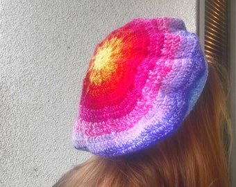 Beret Crochet in rainbow colours