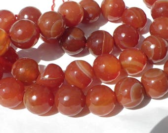agate faceted 10 mm orange gradient with 15 beads in beige, white