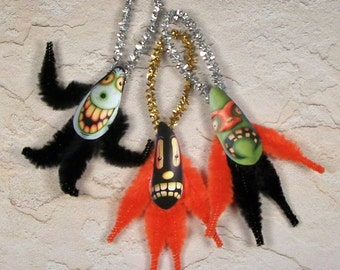 Chenille Primitive Style Halloween Ornaments Creepy Trio Haunted Swamp Vintage style (56)