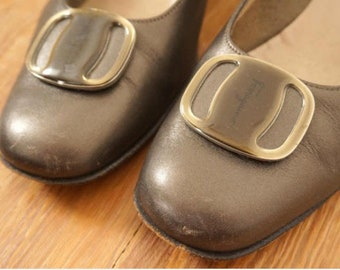 Vintage Ferragamo Bronze Leather Low Heels Pumps Women Sz 7.5B